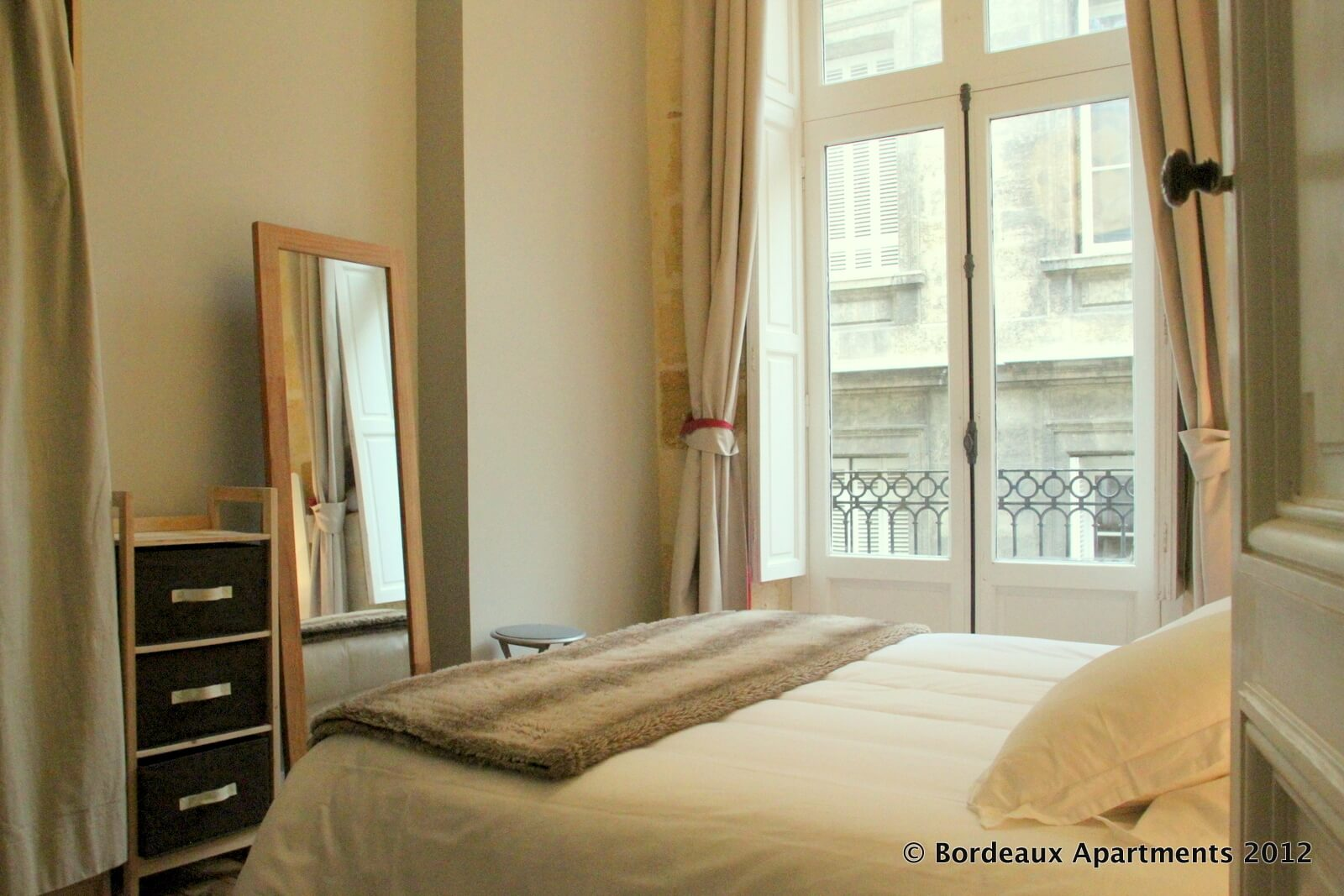 Bordeaux River View Vacation Rental Apartments In